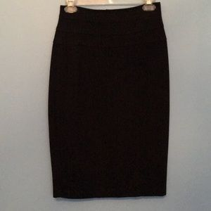 Fashion and comfort CAbi Ponte Knit pencil skirt